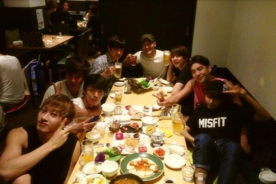 TVXQ And Super Junior Have Dinner Together, 'Their 14-Year Friendship Is Awesome!'